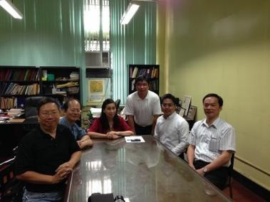 Professors Lu Ming-Jun (right) and Wan Meng-Wei (third from right) discuss details of a dual degree agreement with the chair of the Department of Chemical Engineering at the University of the Philippines, Dillman (third from left), Professor Rizalinda L. De Leon, and Professor Mark Daniel G. de Luna