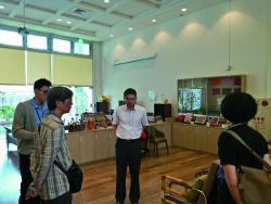 院長與教師們參訪廠商