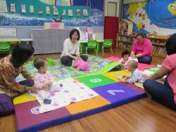 台南市安平區親子悠遊館辦理嬰兒感覺統合活動