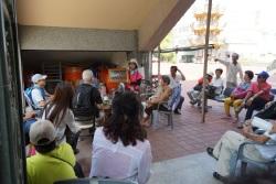 藝術小鎮旅遊-微笑灣裡活動 - 和當地志工人員接觸及進行意見交流
