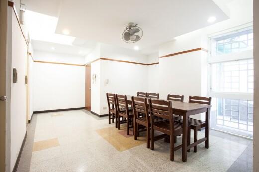 宿舍房間內部交誼廳