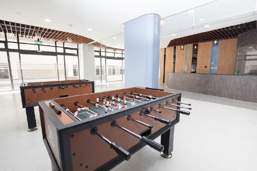英傑五舍大廳 手足球檯