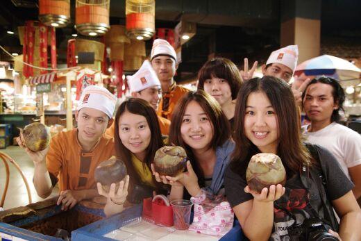 2013年嬰幼兒保育系海外實習生在當地的生活體驗