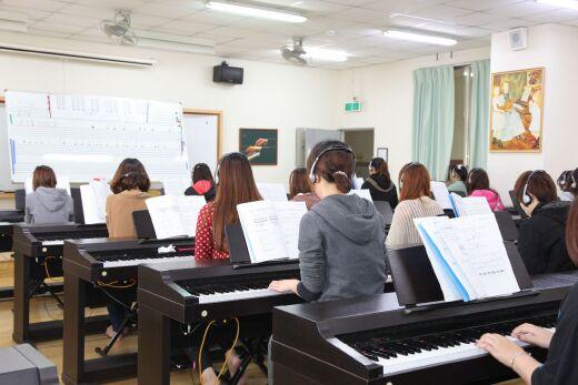 Y703鍵盤樂教室(演奏)