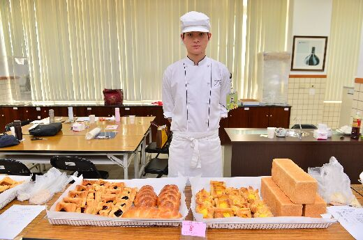 CNU student Kuo Chan-Hong, winner of the southern district baking section of the 2013 National Skills Competition