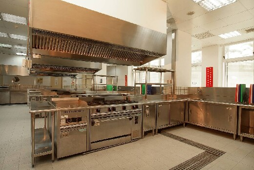 Training and testing facilities for Class C license certifications for Western cooking