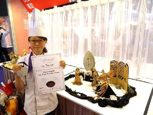 CNU student Luo Tsai-Lun, silver medal winner in the 2013 Hong Kong Baking Competition