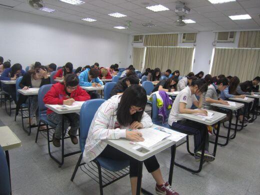 學生參加CSEPT大學校院英語能力測驗