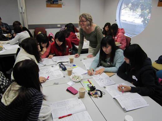 澳大利亞英語情境學習小組教學