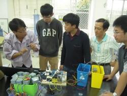 業師指導學生製作實務專題(2015.3.23)