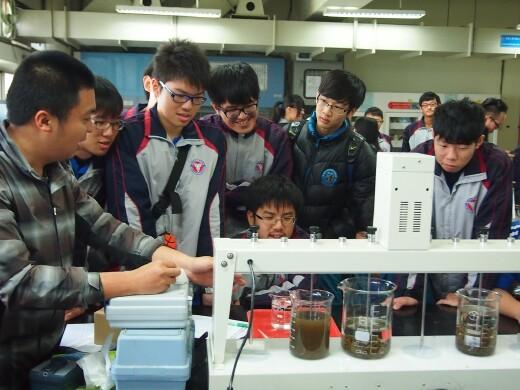 執行區域技優教學專案-開辦國中及高中的環保科技與產業相關的體驗營及短期技術課程(2015.2.4-5)